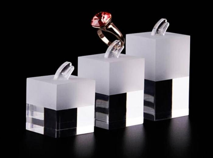 Milk-White-Acrylic-Ring-Display-Stand-For-Rings-Holder-Clear-Base-XH31-1