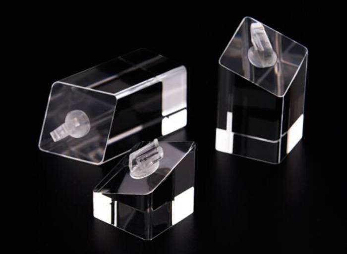 Square-Base-Acrylic-Ring-Display-Holder-for-Ring-Jewelry-Display-XH27-3