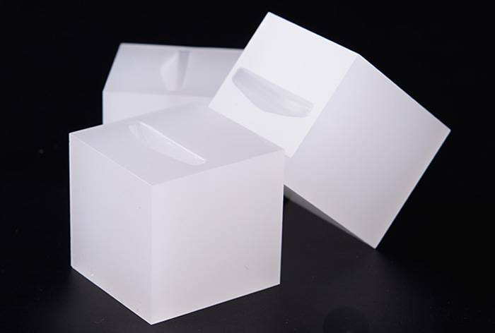 White-Acrylic-Slotted-Block-Jewelry-Hand-Ring-Holder-XH34-2
